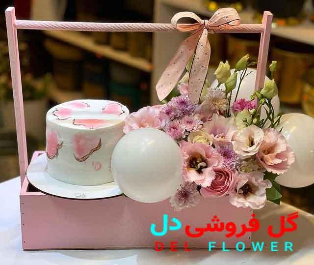 جعبه کادو تولد با گل